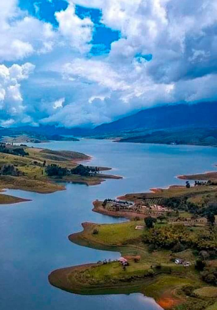 Pasadia Lago Calima