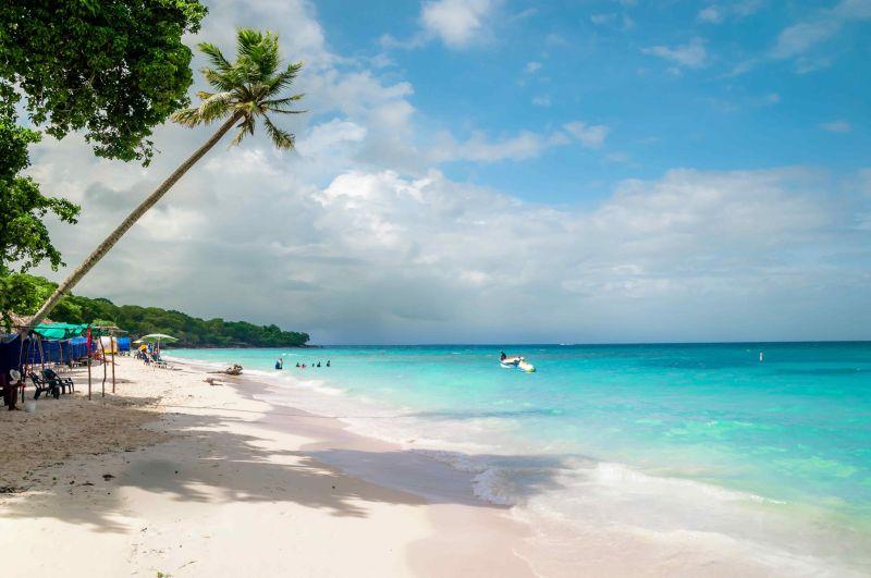 Una foto de la playa